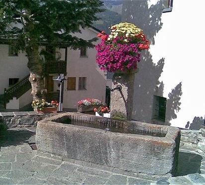 Les fontaines et lavoirs de Suisse