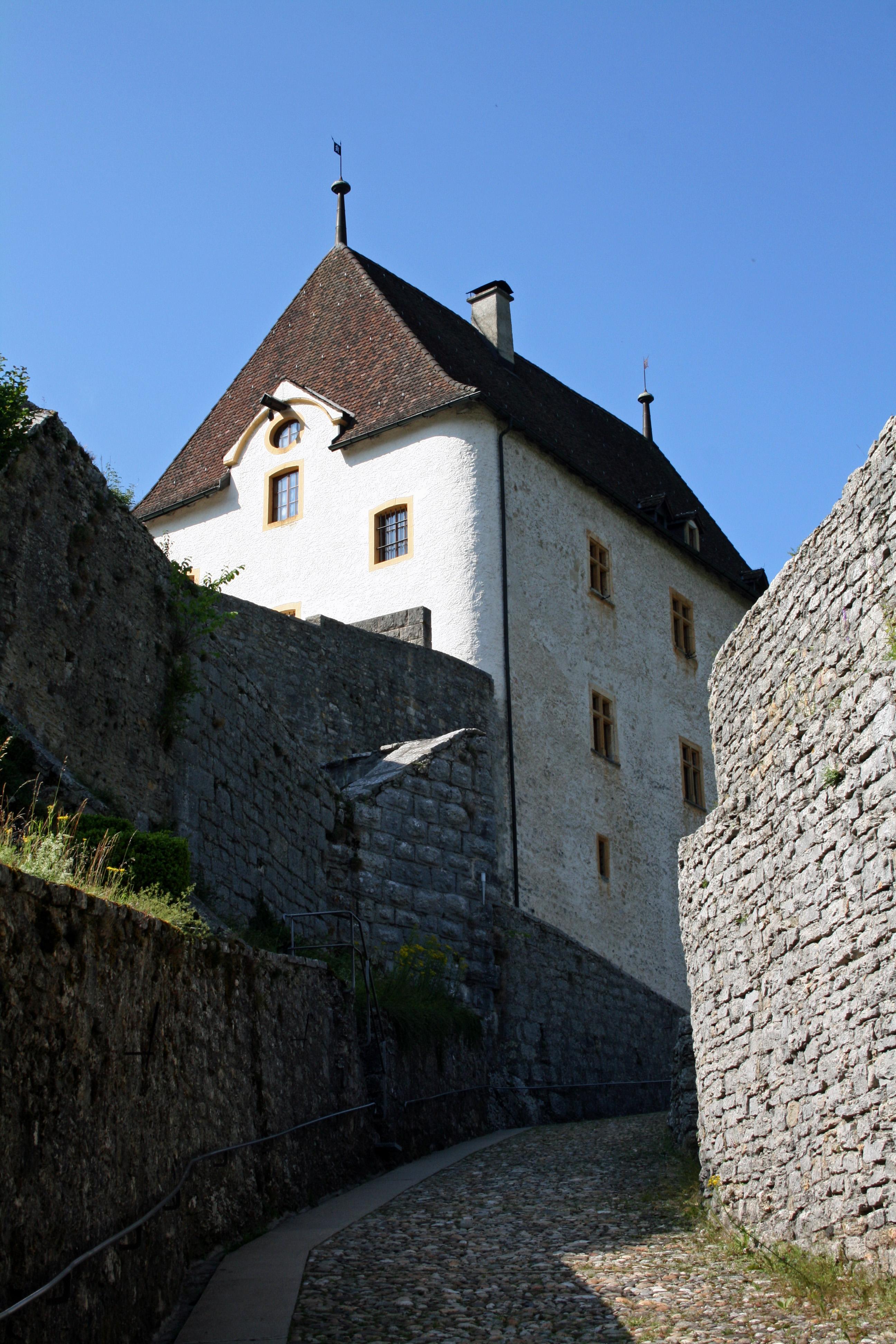 Temples, Eglises, Châteaux et belles demeures du canton de Neuchâtel