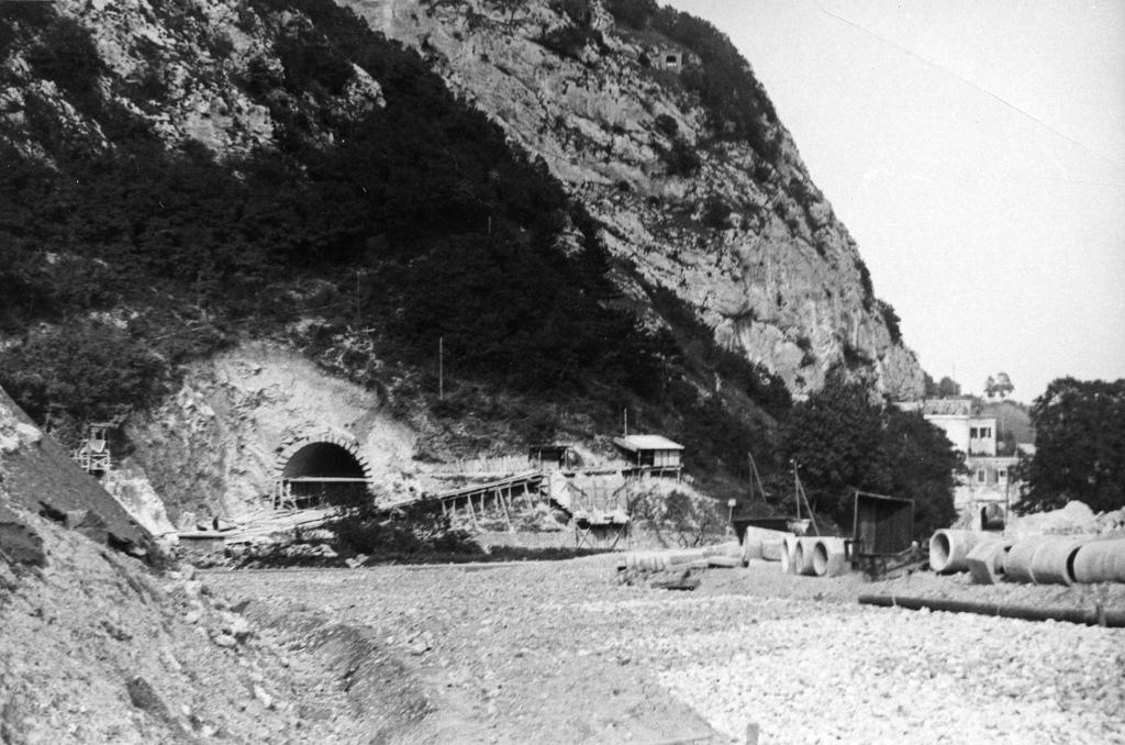Aux portes de gen ve la construction d 39 un tunnel routier for Construction de tunnel