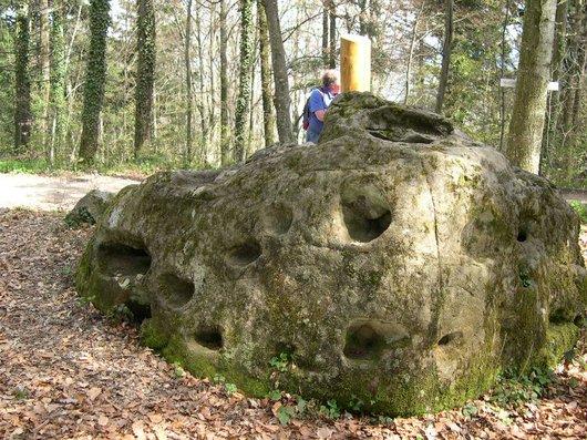 pierre à mille trous