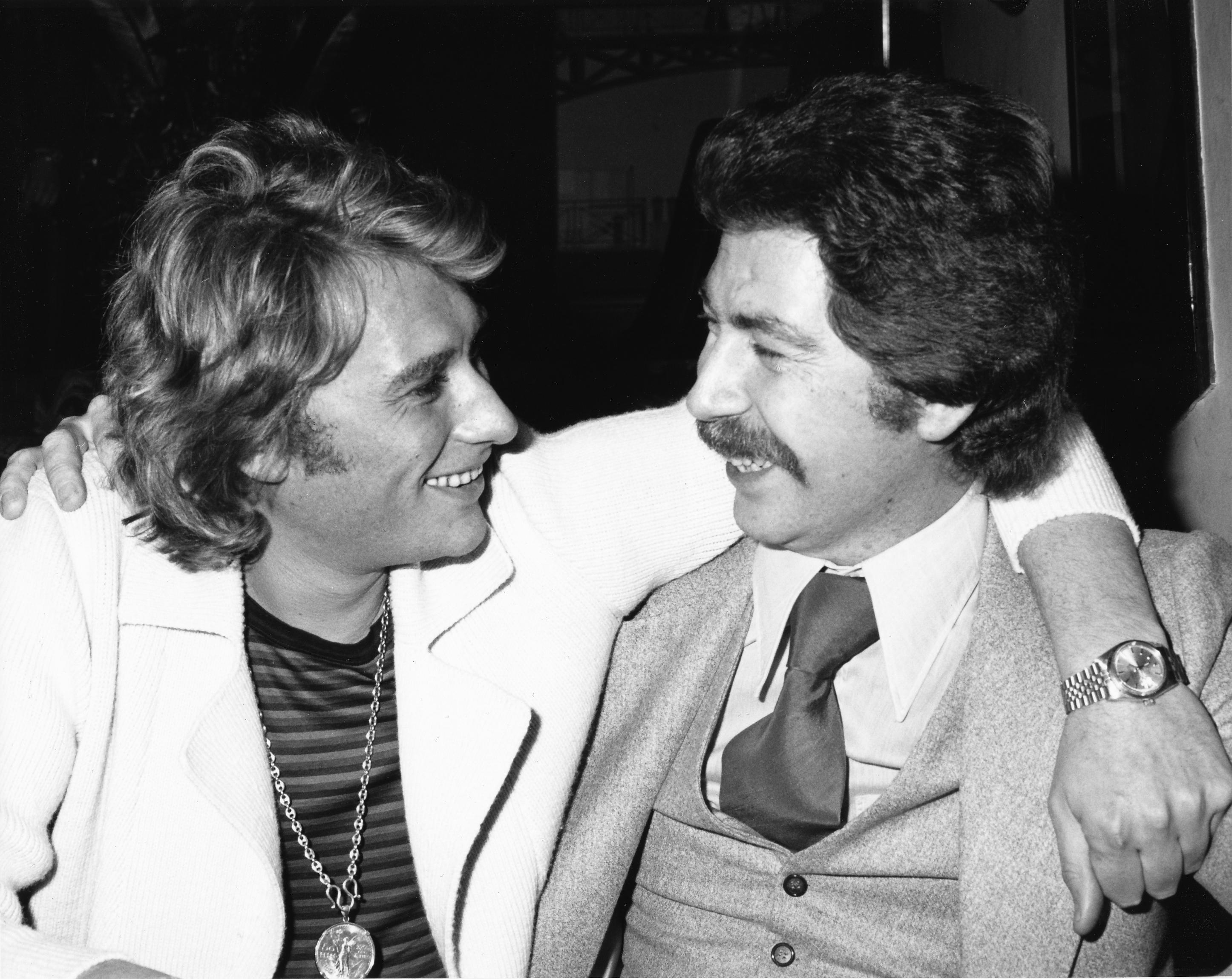 Johnny Hallyday avec Bernard H. Grobet en 1976 au Griffin's club, à Genève