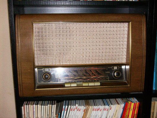 La radio dans la salon