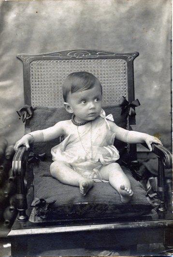 Germaine Delacoste, à l'âge d'un an, au Brésil