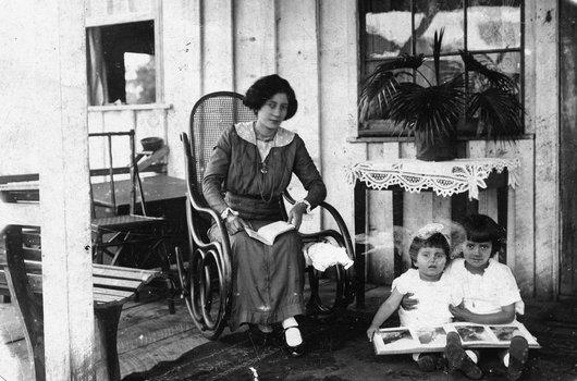 Mme Paul Delacoste, née Yvonne Couty, à Três Barras (Santa Catarina) Brésil