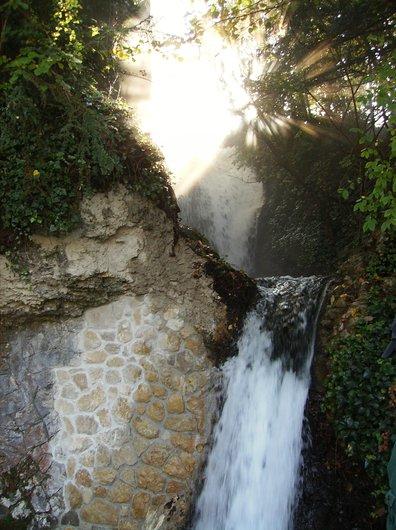 Chute d'eau du moulin à eau - Les chutes du Rhin