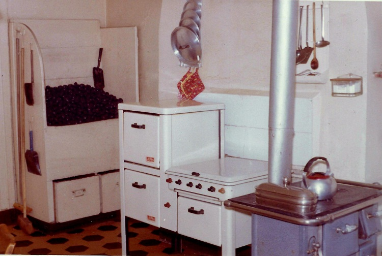 cuisine des ann es 50 notre histoire. Black Bedroom Furniture Sets. Home Design Ideas