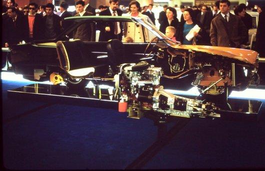 Auto Salon Genève '68 - La NSU - Ro 80 vue de section