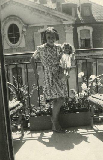Denise et sa poupée