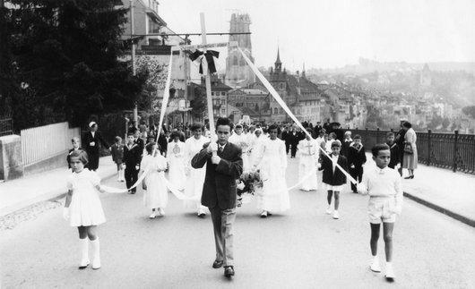La Fête-Dieu de Fribourg, l'école Saint-Charles