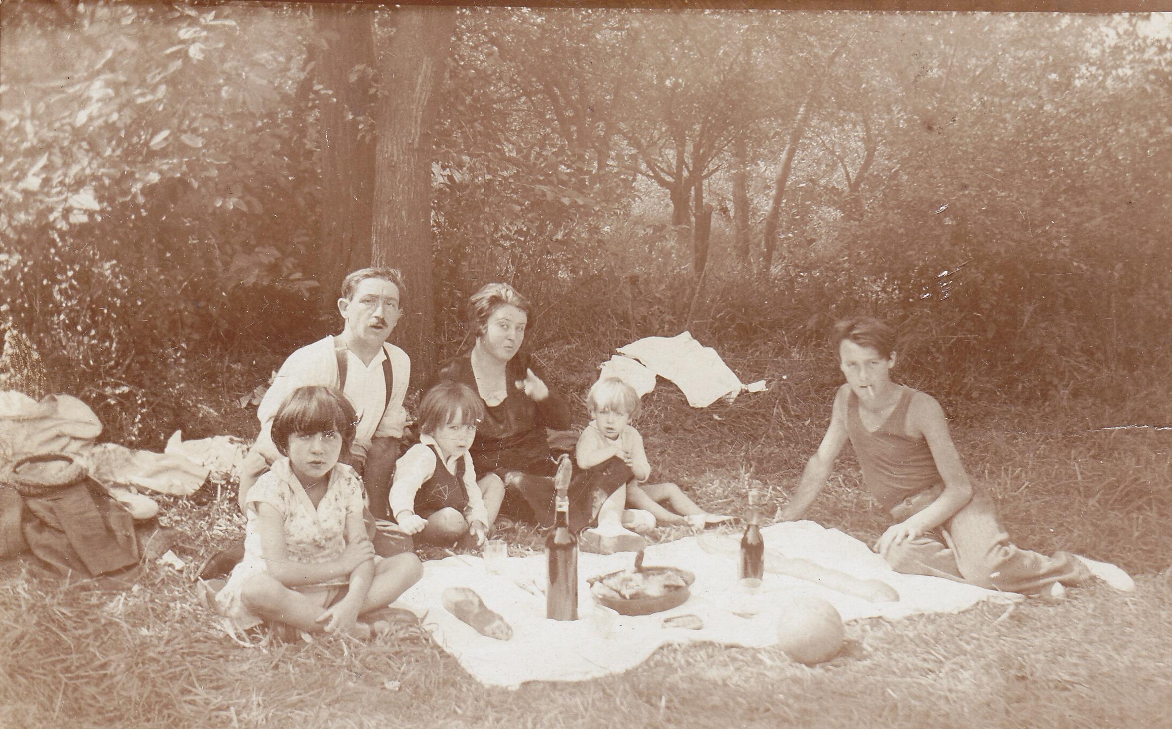 Petit d jeuner sur l 39 herbe notre histoire for Vaisselle dejeuner sur l herbe