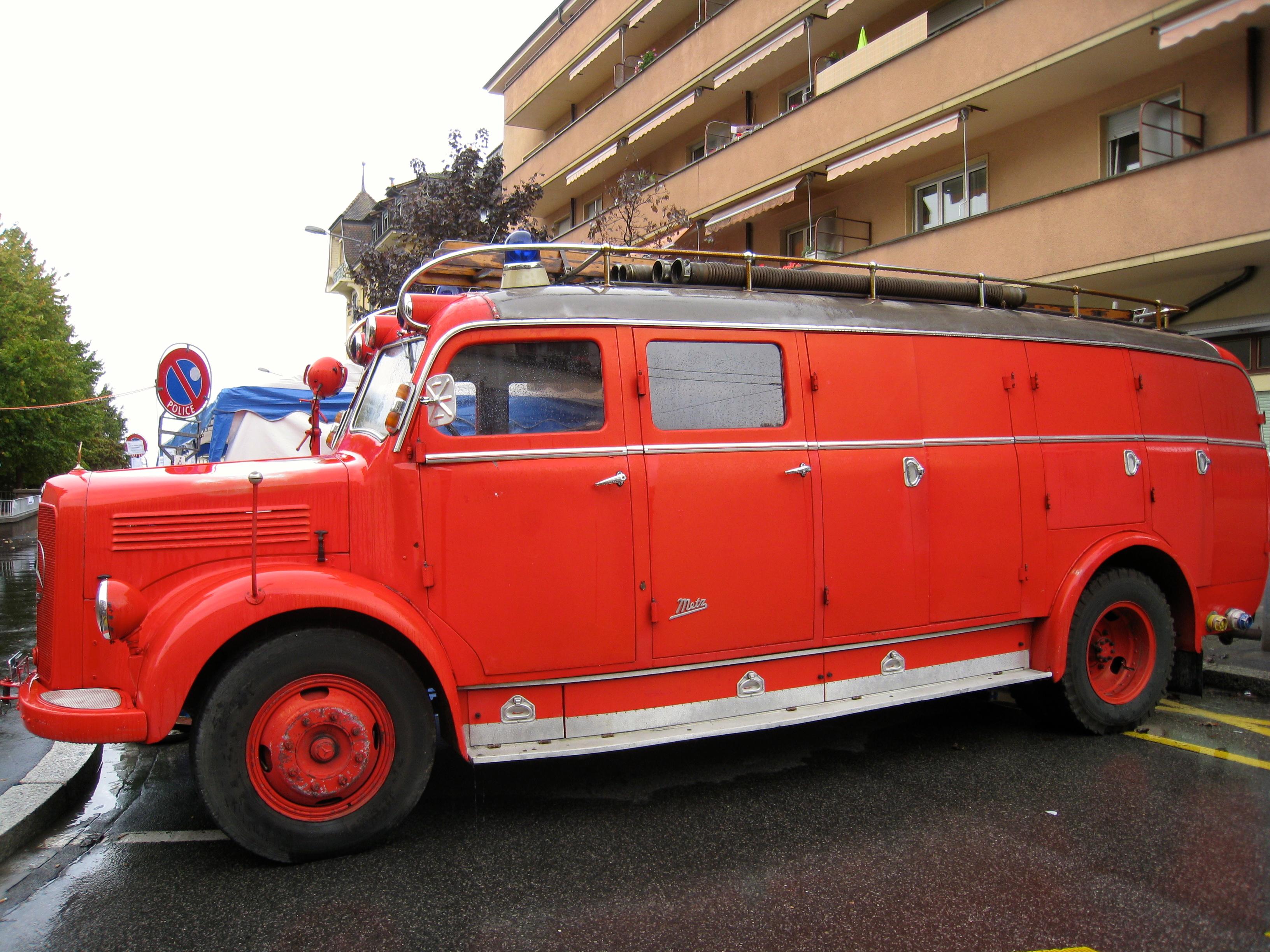 vehicule de pompier free vsav vhicule de secours et aux victimes bspp with vehicule de pompier. Black Bedroom Furniture Sets. Home Design Ideas