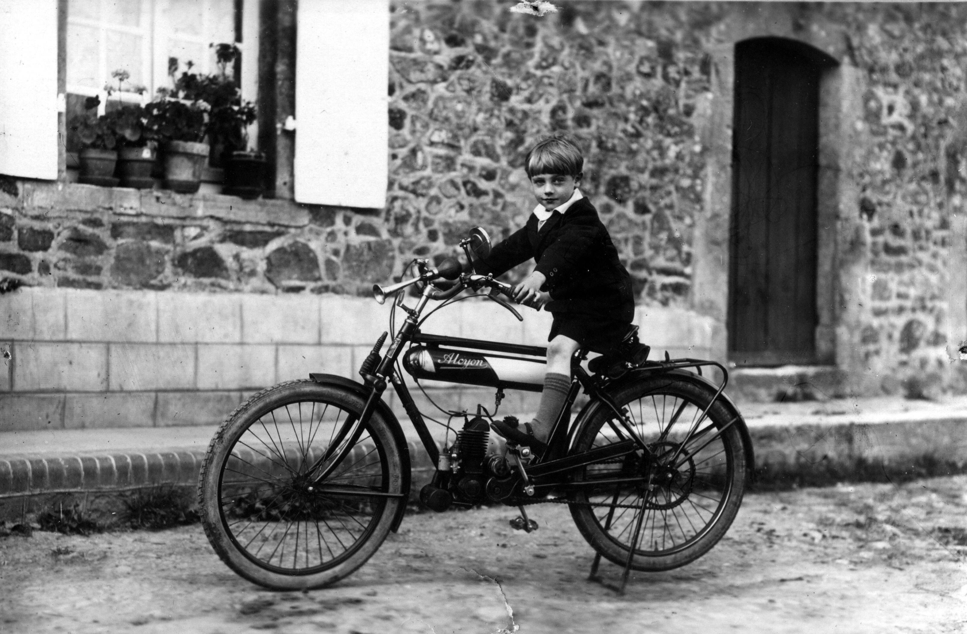 motos photos d'époque Fb9a17b81fa3fdc1