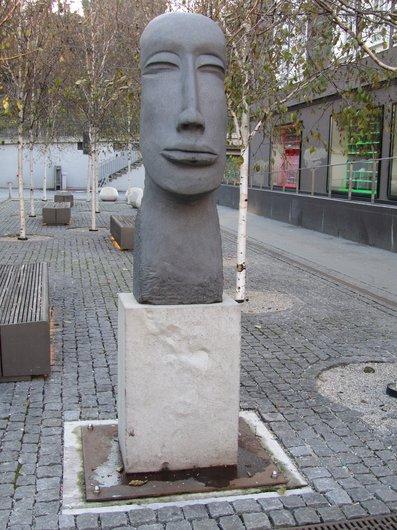 Lausanne Flon sculpture de Tina Ausoni