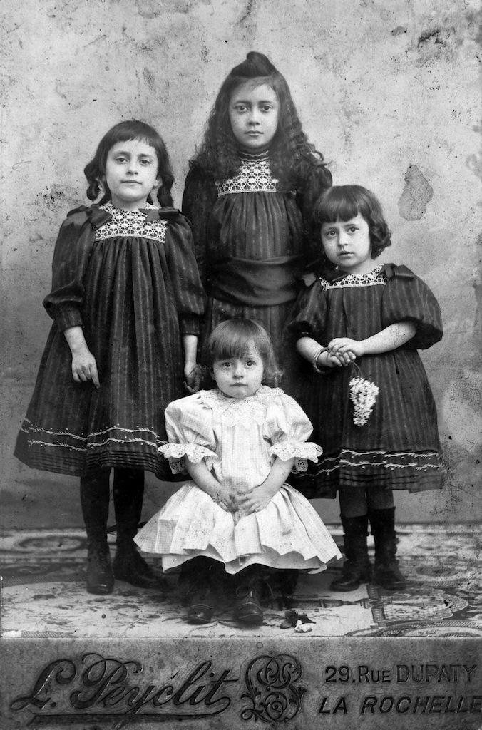 Ma grand-mère, Yvonne Couty, et ses trois sœurs