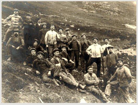 Groupe d'ouvriers à la Furka