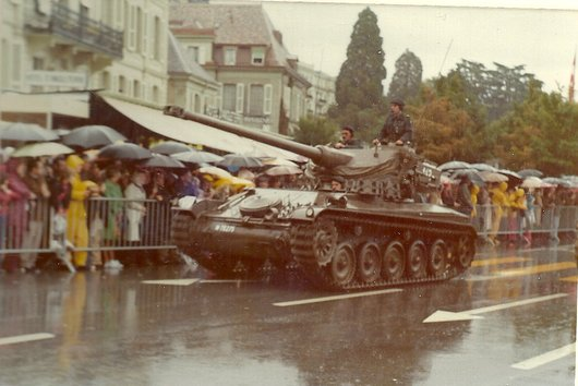 Défilé militaire à Ouchy 1974