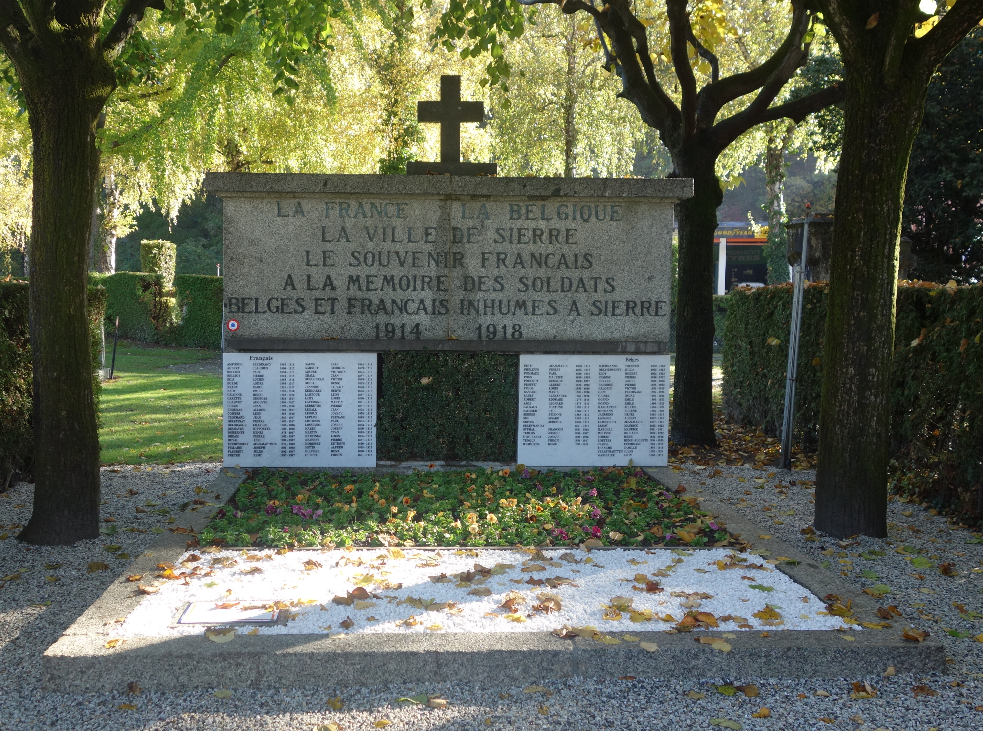 Hommage aux internés français et belges inhumés à Sierre