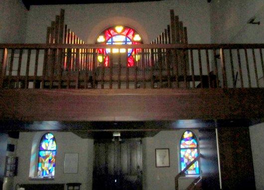 Grandvaux intérieur de l'église les orgues