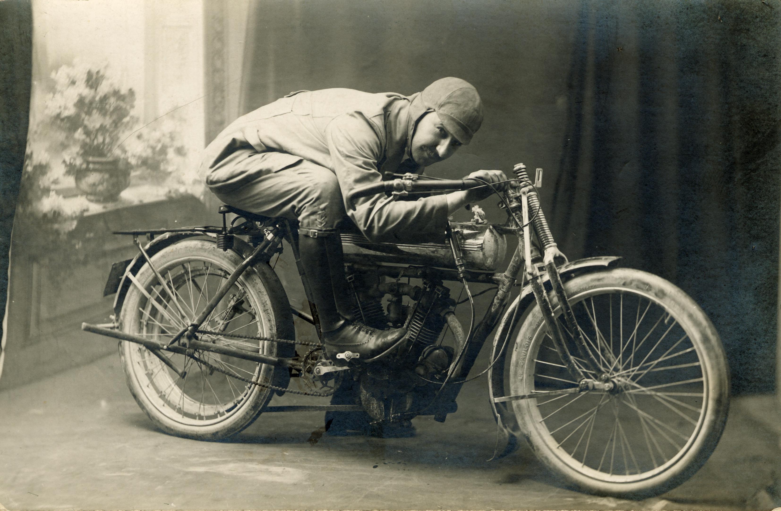 motos photos d'époque 49ffdf4ac5240f33