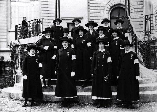 Sourciennes médaillées après la Première Guerre Mondiale, 1919.
