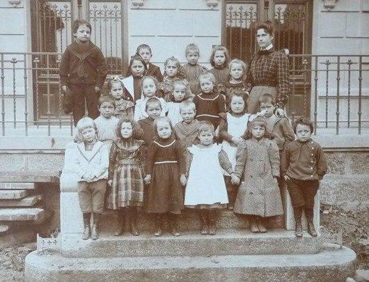 Lausanne Ouchy ecole d'enfants