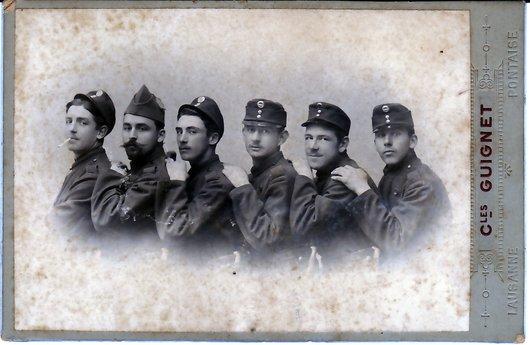 Brochette militaire