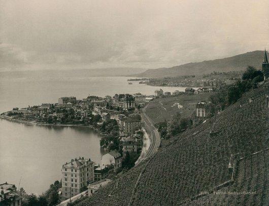 Montreux vignes voie ferree lac Leman