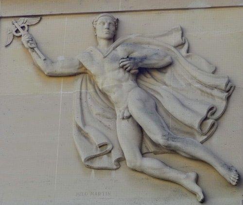 «Mercure» Bas-relief de Milo Martin