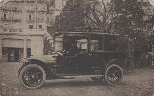 Lausanne la voiture du Beau Rivage Palace hôtel