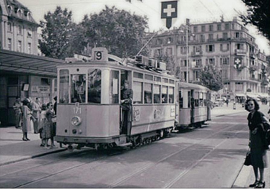 Lausanne place Chauderon le tram