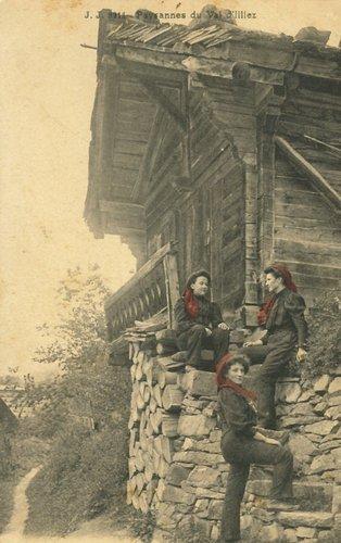 Un trio de paysanne du Val d'Illiez