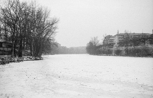 Genève, l'Arve gelée