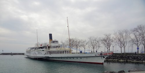 Vapeur «Italie» au port d'Ouchy