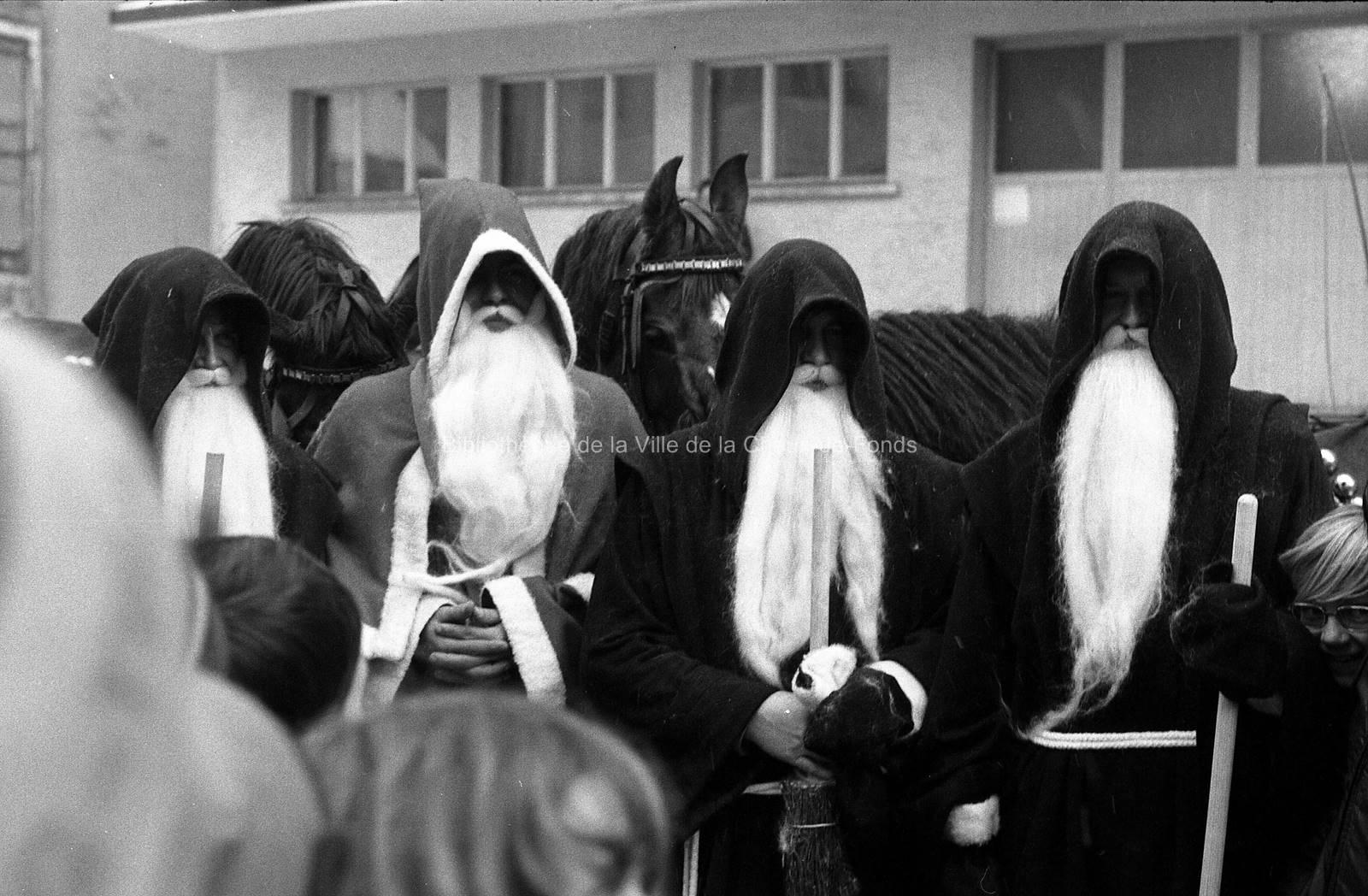 Visite du Père Noël(2). La Chaux-de-Fonds, 1974