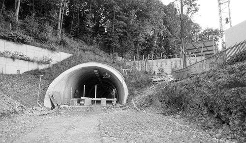 Les tunnels routiers et ferroviaires de suisse notre for Construction de tunnel