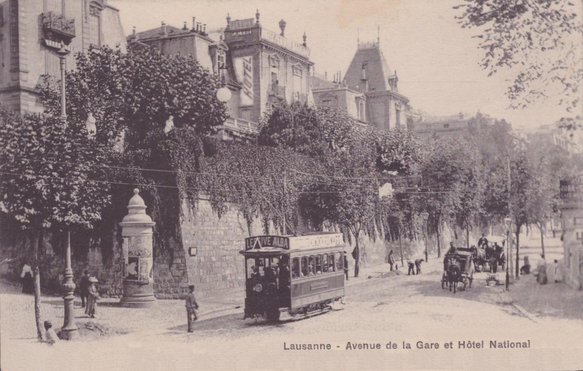 Lausanne avenue de la gare et l'hôtel National