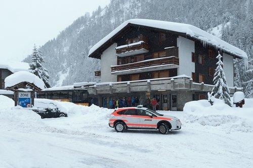 Fermeture de route pour danger d'avalanches
