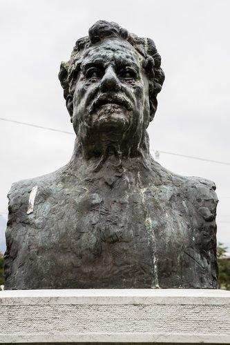 Buste Georges Favon