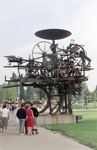 Lausanne,expo 1964, la Métamécanique de Tinguely.