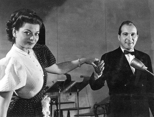 La chanteuse Lys Assia et Bob Huber