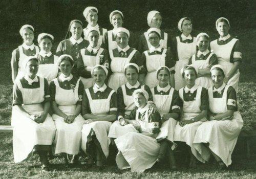 Les infirmières du grand Hôtel et l'hôtel des Alpes