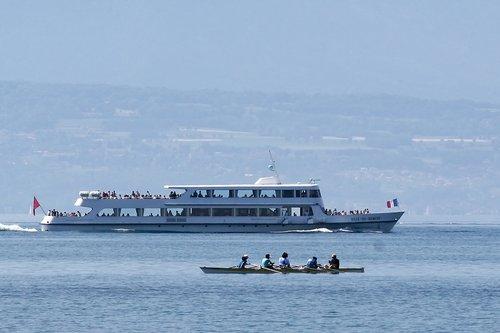"""Le """"Ville-de-Genève"""", de la CGN en 2005"""