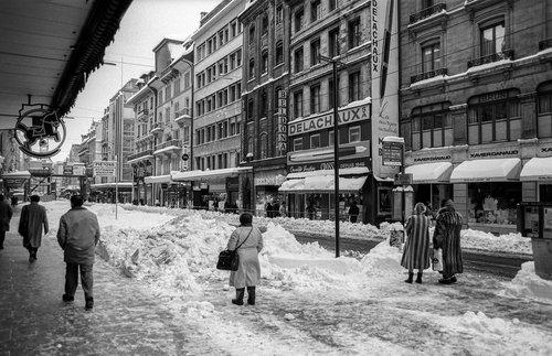 Genève, la Rue de la Croix-d'Or sous la neige