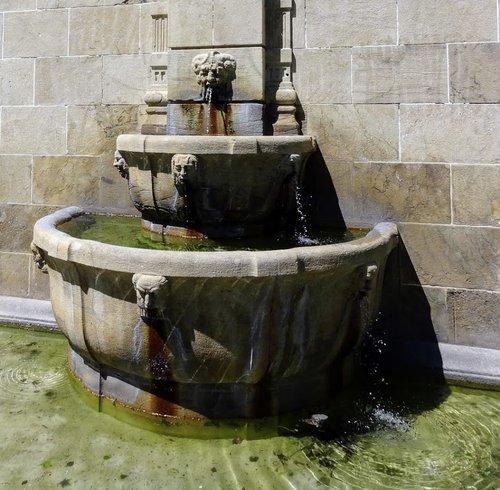 Fontaine de la Chapelle Guillaume Tell