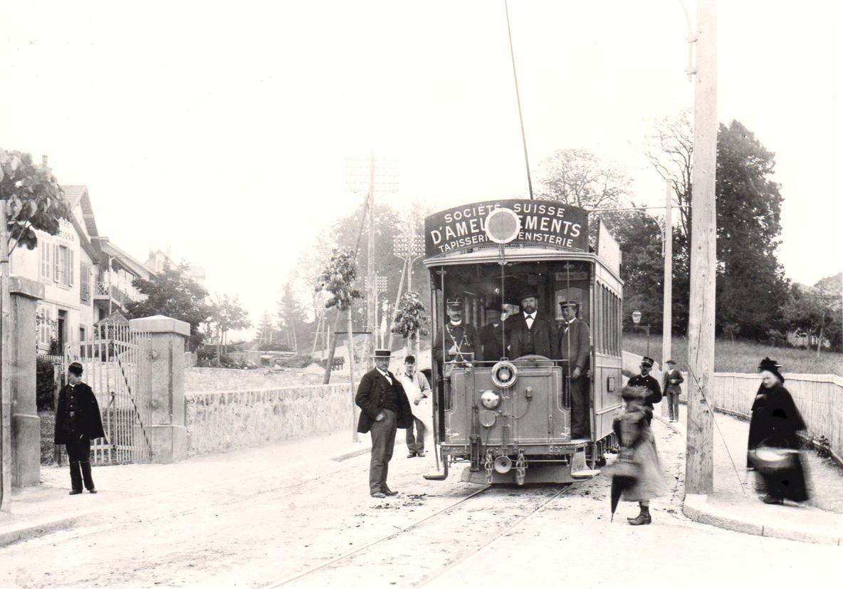 Lausanne le tram à Béthusy