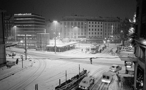 Genève, il neige sur Cornavin