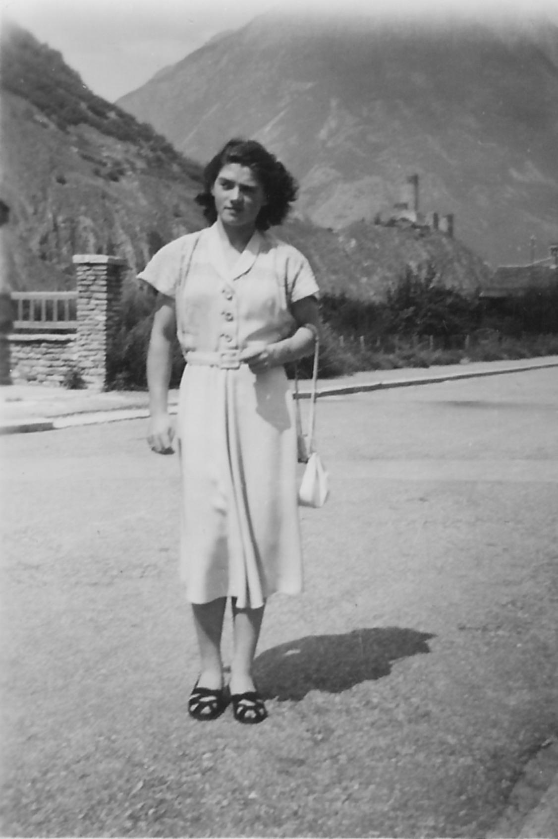 Ma Maman toute jeune à Martigny