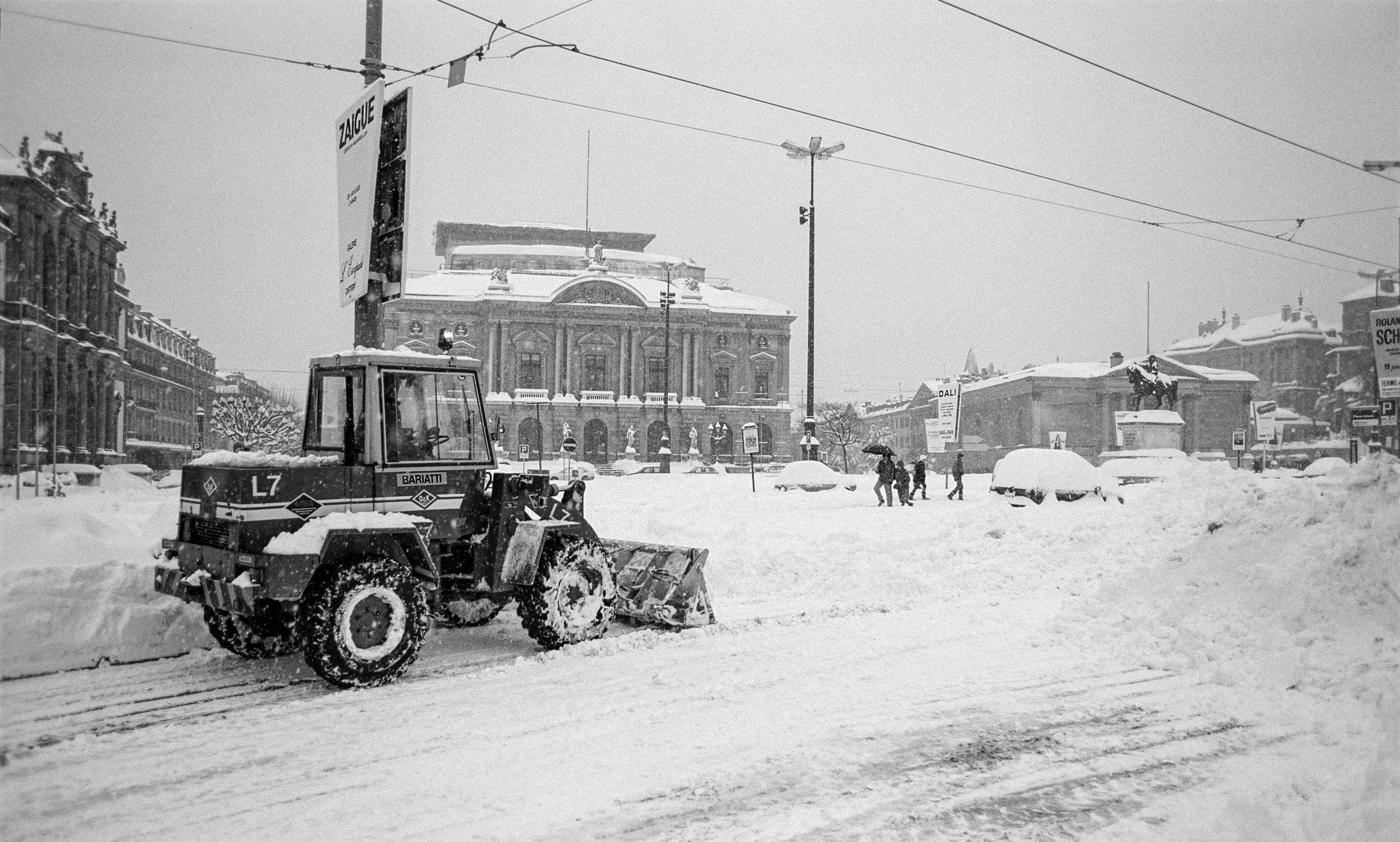 Genève, il neige sur la Place de Neuve