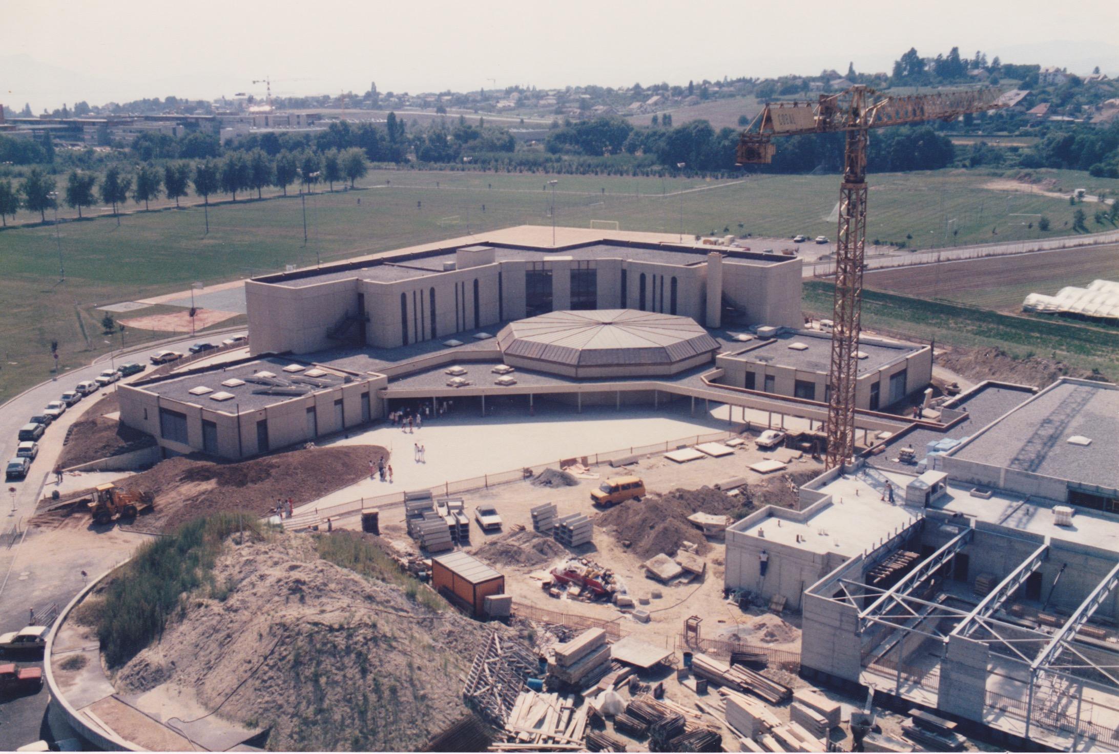 Chavannes pr s renens complexe scolaire de la plaine for Chavannes piscine