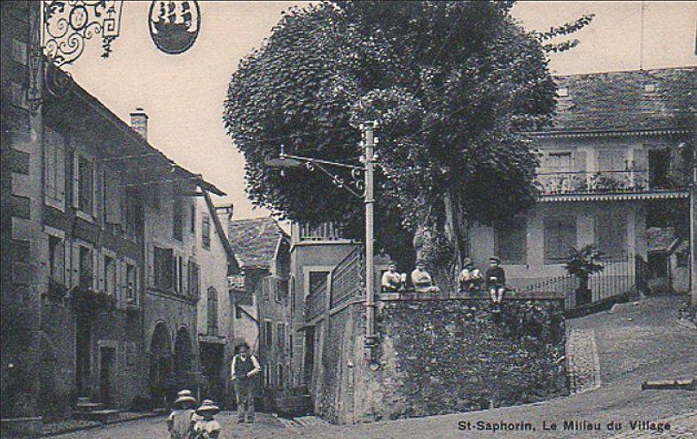 Saint Saphorin le milieu du village